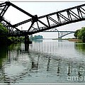 Giant Scissors   Lift Bridge and Peace Bridge
