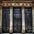 Grand Door - Leeds Town Hall by Yhun Suarez