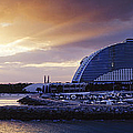 Jumeirah Beach Hotel At Sunrise by Jeremy Woodhouse