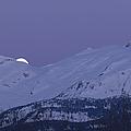 Moonset by Yuichi Takasaka