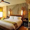 Nice Hotel-room by Atiketta Sangasaeng