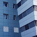 Office Building by Carlos Caetano