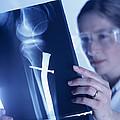 Radiologist by Tek Image