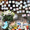 Rip Steve Jobs . October 5 2011 . San Francisco Apple Store Memorial 7dimg8574 by Wingsdomain Art and Photography