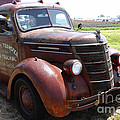 Rusty Old 1935 International Truck . 7d15498 by Wingsdomain Art and Photography