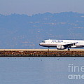 United Airlines Jet Airplane At San Francisco International Airport Sfo . 7d11998 by Wingsdomain Art and Photography