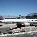 United Airlines Jet Airplane At San Francisco Sfo International Airport - 5d17107 by Wingsdomain Art and Photography