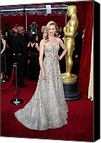 Academy Awards Oscars Canvas Prints - Cameron Diaz Wearing An Oscar De La Canvas Print by Everett