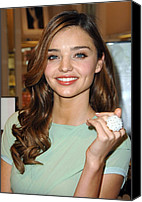 Lip Gloss Canvas Prints - Miranda Kerr At In-store Appearance Canvas Print by Everett