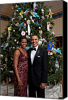 Michelle Obama Photo Canvas Prints - President And Michelle Obama Pose Canvas Print by Everett
