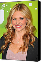 Wavy Hair Canvas Prints - Sarah Michelle Gellar At Arrivals Canvas Print by Everett