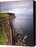 Bw Canvas Prints - Scotland Kilt Rock Canvas Print by Nina Papiorek