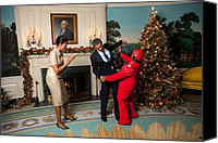 Michelle Obama Photo Canvas Prints - President And Michelle Obama Greet Canvas Print by Everett
