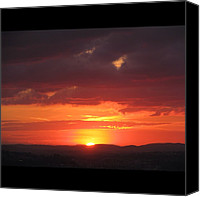 Retratodebelohorizonte Canvas Prints - [22-vi-2k12, 17:27] #pordosol No #céu Canvas Print by Diogo Rocha