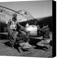 Mechanic Canvas Prints - Wwii: Tuskegee Airmen, 1945 Canvas Print by Granger