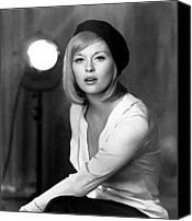Publicity Shot Canvas Prints - Bonnie And Clyde, Faye Dunaway, 1967 Canvas Print by Everett