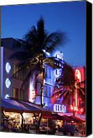 Drive Canvas Prints - Arte Deco Building In Ocean Drive Canvas Print by Buena Vista Images