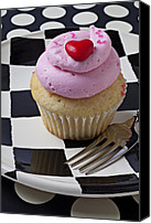 Foodstuff Canvas Prints - Cupcake with heart on checker plate Canvas Print by Garry Gay
