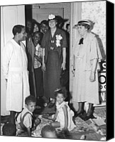 First Lady Canvas Prints - Eleanor Roosevelt Visiting A Wpa Works Canvas Print by Everett