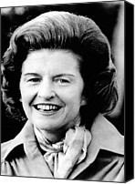 First Ladies Canvas Prints - First Lady Betty Ford Talks To Newsmen Canvas Print by Everett