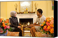 Michelle Obama Photo Canvas Prints - First Lady Michelle Obama Meets Canvas Print by Everett