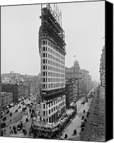 City Streets Photo Canvas Prints - Flatiron Building During Construction Canvas Print by Everett