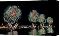 July Canvas Prints - Fourt of July in NYC Canvas Print by Susan Candelario