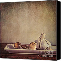 Wooden Tapestries Textiles Canvas Prints - Garlic Cloves Canvas Print by Priska Wettstein