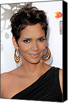 Gold Earrings Photo Canvas Prints - Halle Berry At Arrivals For 2011 Annual Canvas Print by Everett