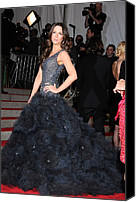 Tulle Canvas Prints - Kate Beckinsale Wearing A Marchesa Canvas Print by Everett