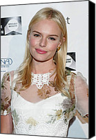 Lip Gloss Canvas Prints - Kate Bosworth Wearing A Dolce & Gabbana Canvas Print by Everett