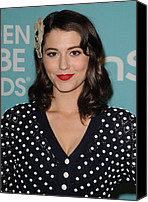 Golden Globe Canvas Prints - Mary Elizabeth Winstead In Attendance Canvas Print by Everett