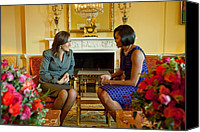 Michelle Obama Canvas Prints - Michelle Obama Greets Mrs. Margarita Canvas Print by Everett