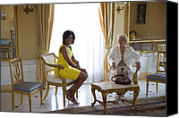 Michelle Obama Canvas Prints - Michelle Obama Meets With Clio Canvas Print by Everett