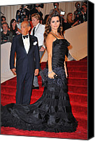 Metropolitan Museum Of Art Costume Institute Canvas Prints - Oscar De La Renta, Penelope Cruz Canvas Print by Everett