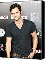 T-shirt Photo Canvas Prints - Penn Badgley At Arrivals For In Touch Canvas Print by Everett