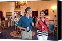 Michelle-obama Canvas Prints - President And Michelle Obama Pretend Canvas Print by Everett