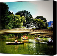 Nyc Canvas Prints - Romance - Central Park - New York City Canvas Print by Vivienne Gucwa