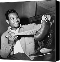 Baseball Players Canvas Prints - Sugar Ray Robinson Dusting Canvas Print by Everett