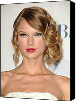 Wavy Hair Canvas Prints - Taylor Swift In The Press Room Canvas Print by Everett