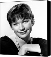 1960 Movies Canvas Prints - The Apartment, Shirley Maclaine, 1960 Canvas Print by Everett