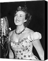 1950s Fashion Canvas Prints - Vera Lynn, Appearing On The Radio Canvas Print by Everett