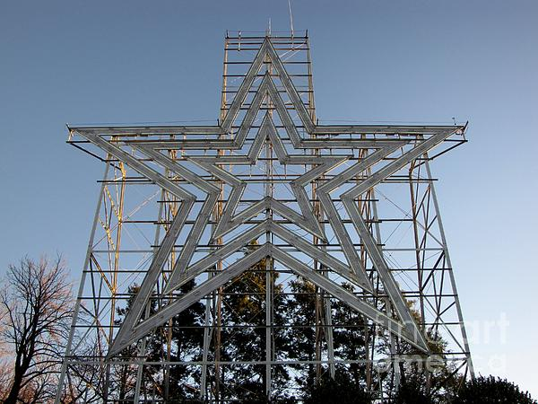 Roanoke star in late afternoon print by ben schumin