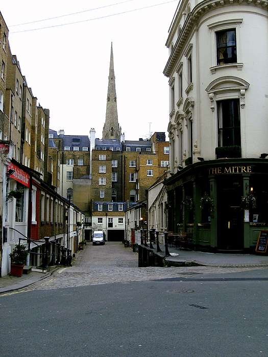 A Street In London Print by Mindy Newman