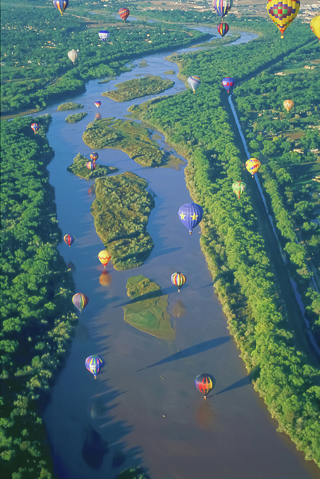 Balloons Over The Rio Grande Print by Alan Toepfer