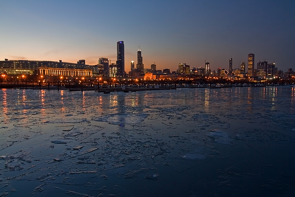Chicago Skyline At Dusk Print by Sven Brogren