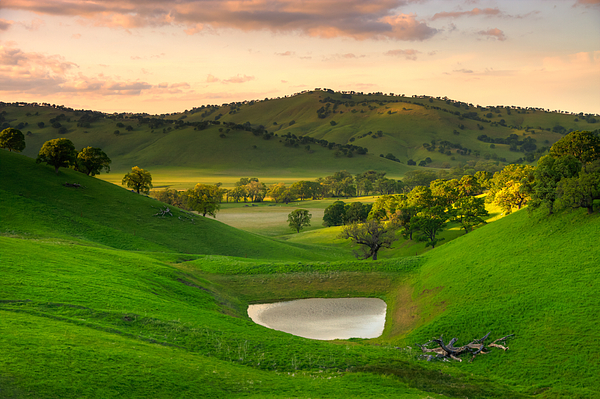 Fading Light At Round Valley Print by Marc Crumpler