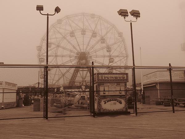 Ferris Wheel Print by Peter Aiello