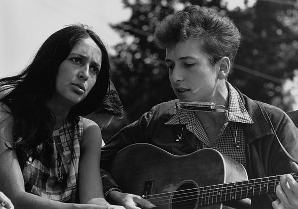 Folk Singers Joan Baez And Bob Dylan Print by Everett