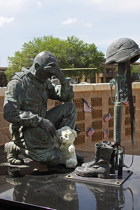 Ft. Hood War Memorial Print by Linda Phelps